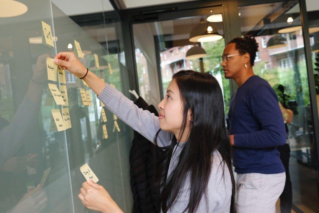teachers setting goals on whiteboard